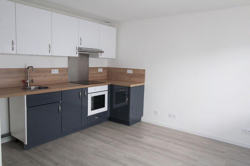 Appartement à louer 1 27.64m2 à Longjumeau vignette-1