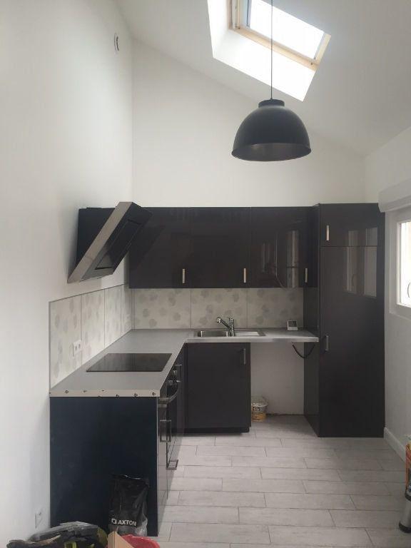 Appartement à louer 1 27m2 à Boussy-Saint-Antoine vignette-4