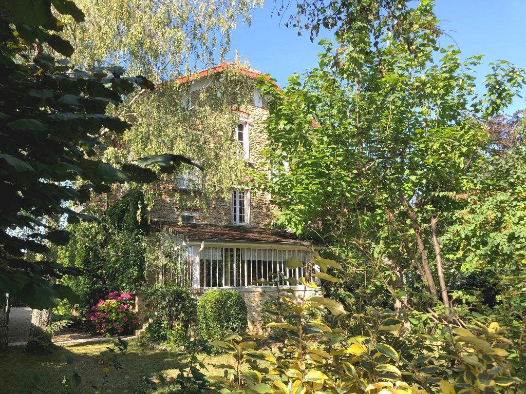 Maison à vendre 9 226m2 à Mandres-les-Roses vignette-2