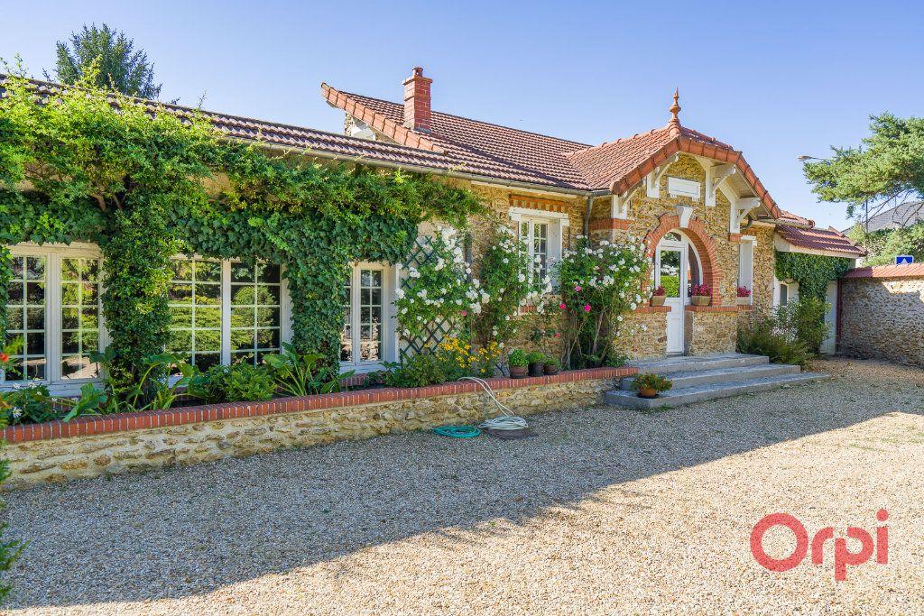 Maison à vendre 9 226m2 à Mandres-les-Roses vignette-3