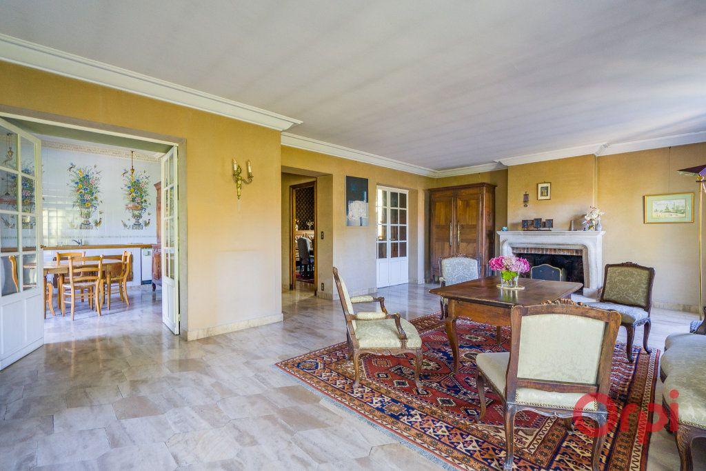 Maison à vendre 9 226m2 à Mandres-les-Roses vignette-4