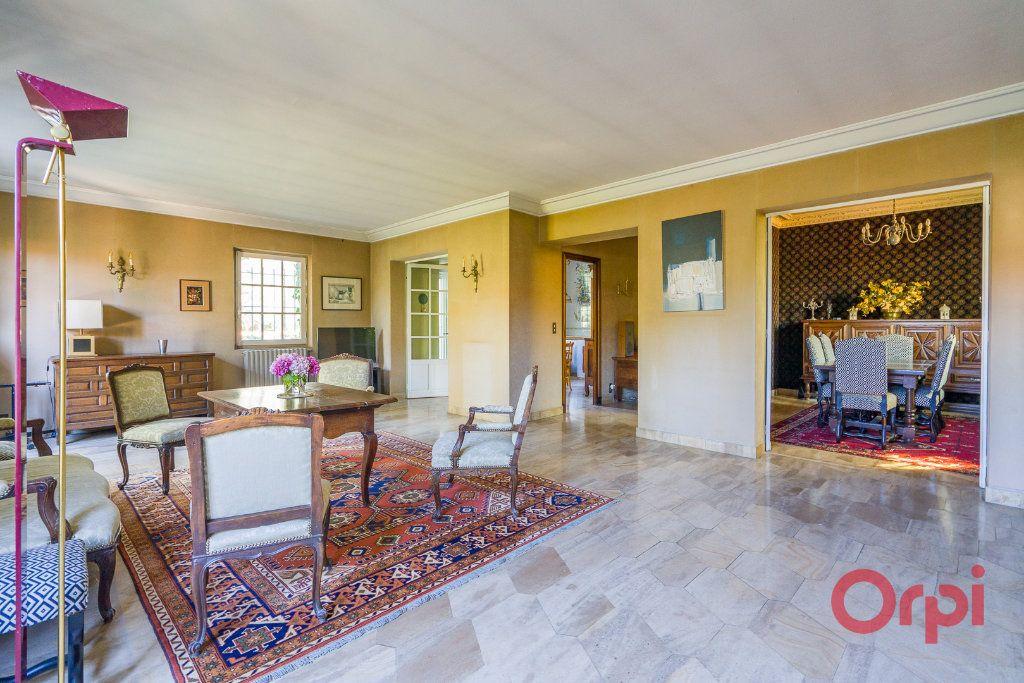 Maison à vendre 9 226m2 à Mandres-les-Roses vignette-5