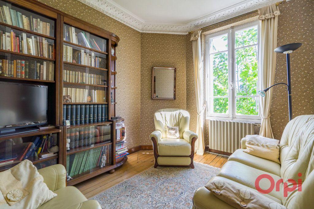 Maison à vendre 9 226m2 à Mandres-les-Roses vignette-10