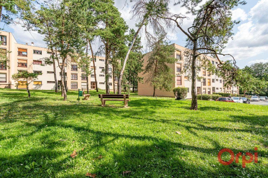 Appartement à vendre 4 82m2 à Villecresnes vignette-1