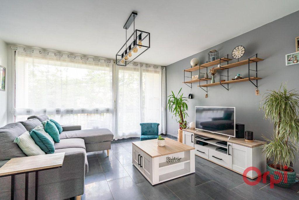 Appartement à vendre 4 82m2 à Villecresnes vignette-3