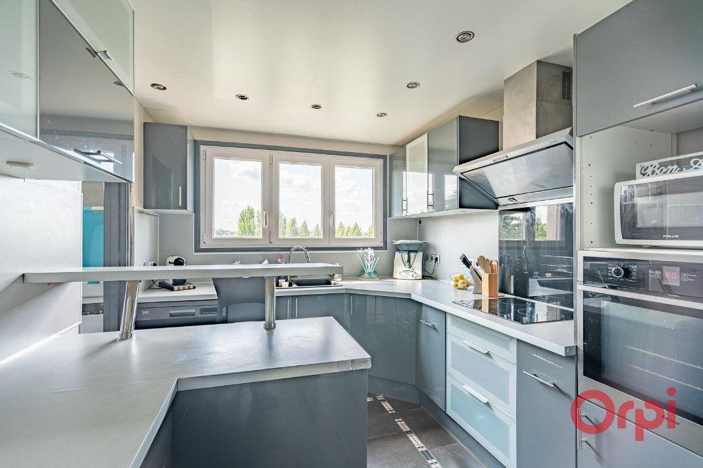 Appartement à vendre 4 82m2 à Villecresnes vignette-8