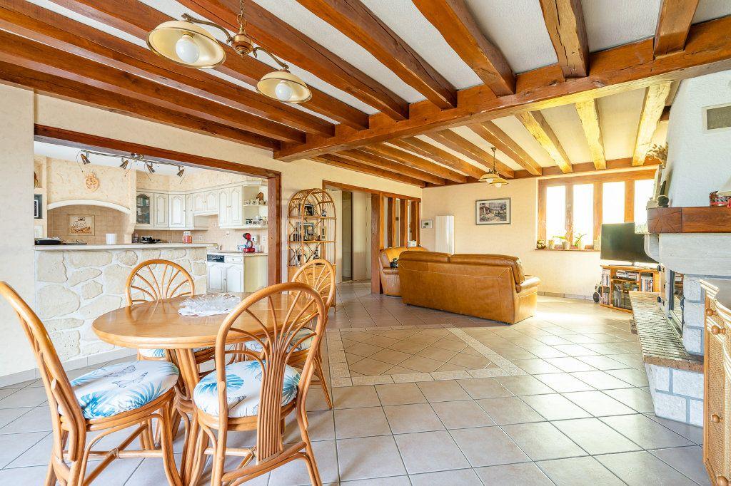 Maison à vendre 8 170m2 à Varennes-Jarcy vignette-3