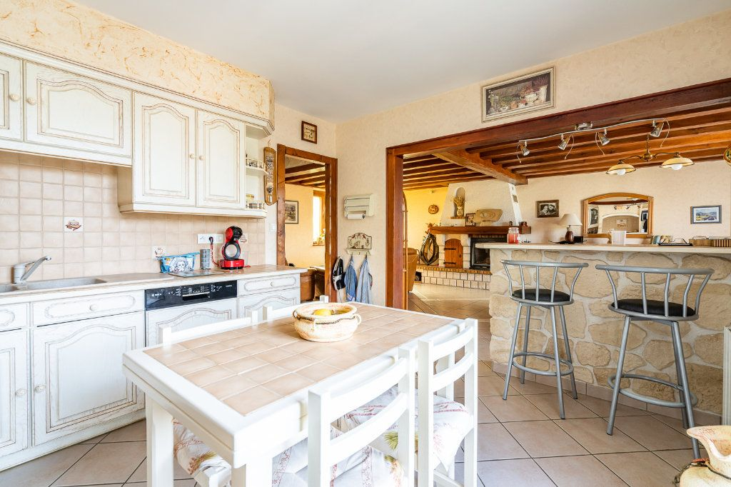 Maison à vendre 8 170m2 à Varennes-Jarcy vignette-5