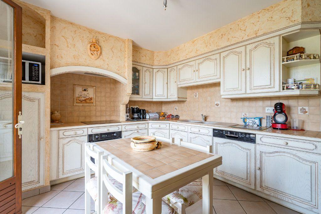 Maison à vendre 8 170m2 à Varennes-Jarcy vignette-6