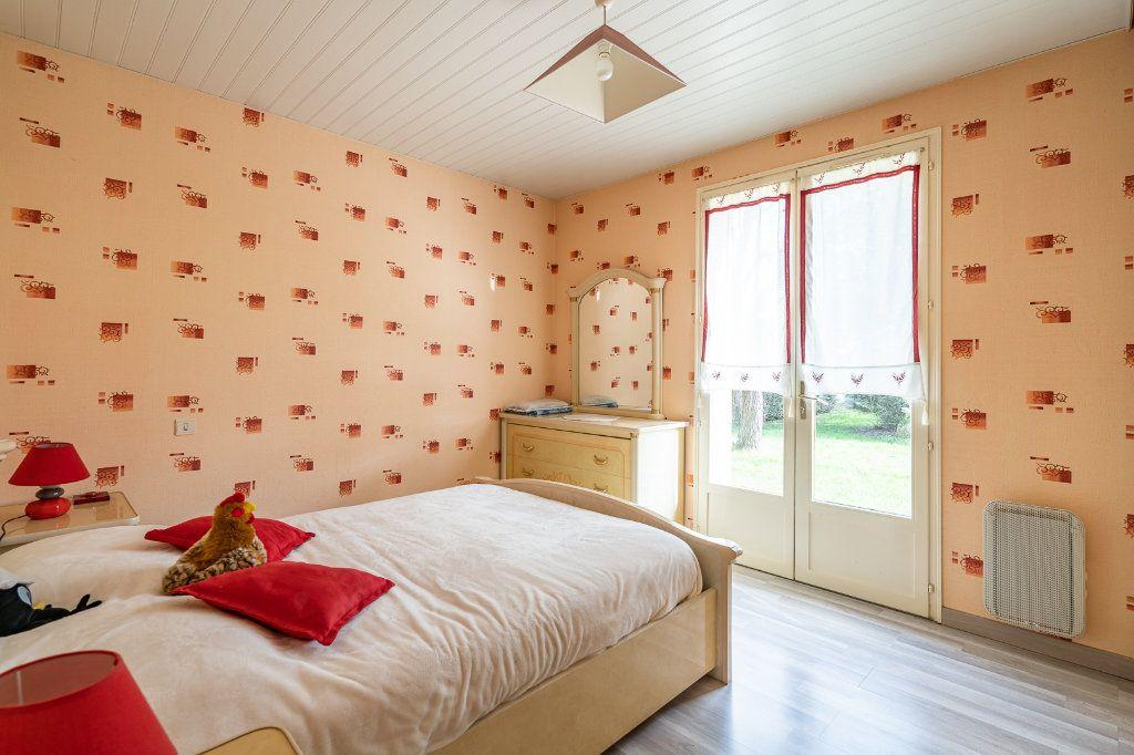 Maison à vendre 8 170m2 à Varennes-Jarcy vignette-8