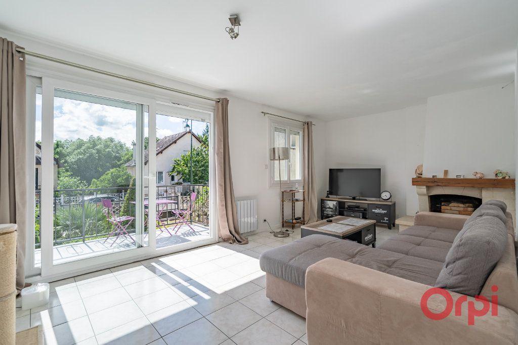 Maison à vendre 3 73m2 à Varennes-Jarcy vignette-6