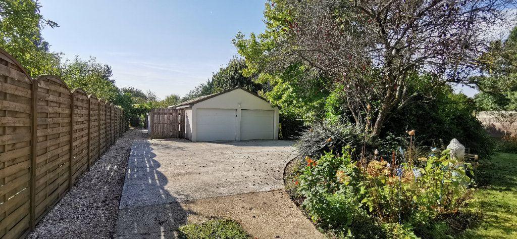 Maison à vendre 6 122m2 à Varennes-Jarcy vignette-6