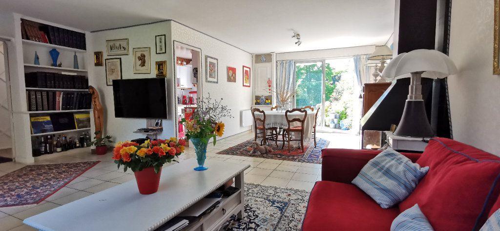 Maison à vendre 6 122m2 à Varennes-Jarcy vignette-7