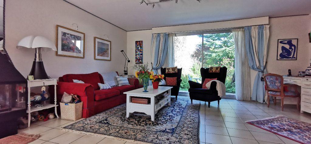 Maison à vendre 6 122m2 à Varennes-Jarcy vignette-8