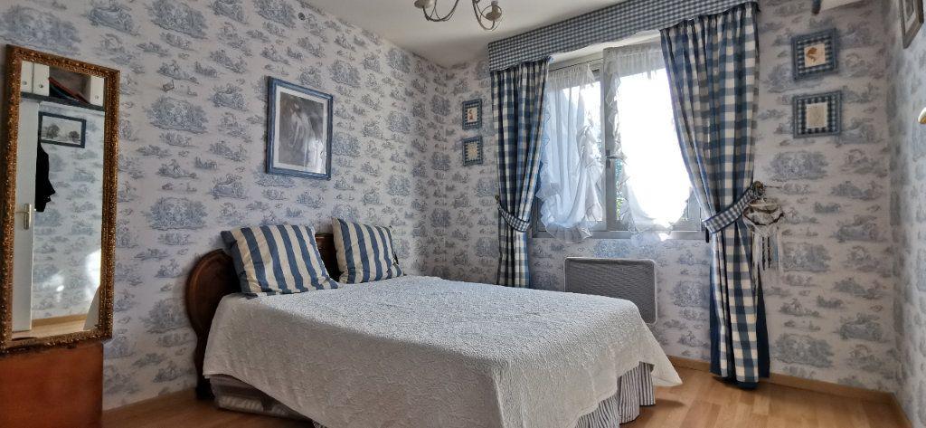 Maison à vendre 6 122m2 à Varennes-Jarcy vignette-10