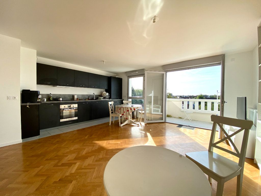 Appartement à vendre 4 86.45m2 à Combs-la-Ville vignette-1
