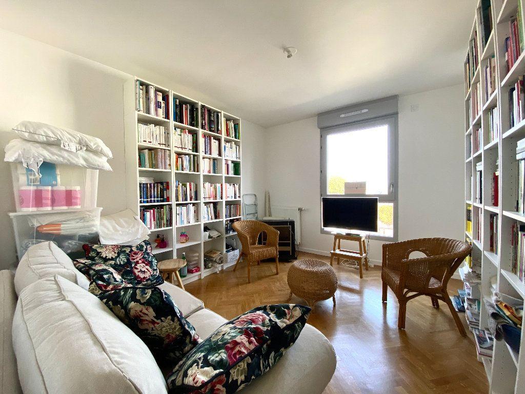 Appartement à vendre 4 86.45m2 à Combs-la-Ville vignette-5