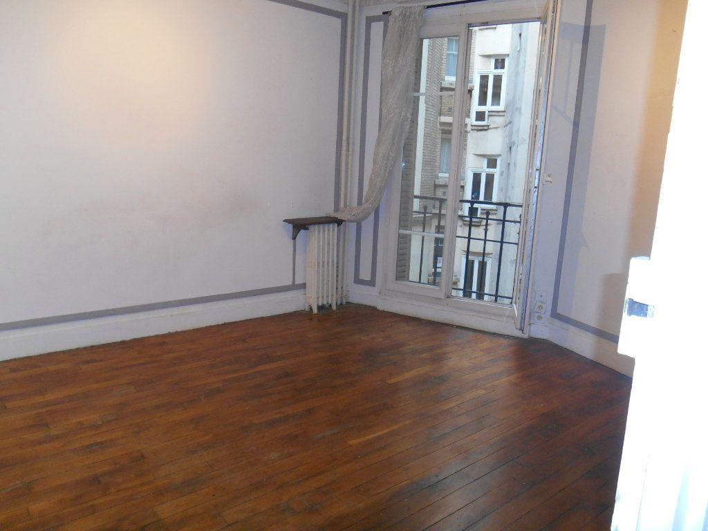 Appartement à vendre 2 34.3m2 à Paris 20 vignette-1