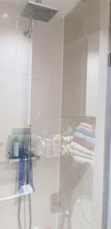 Appartement à vendre 2 34.3m2 à Paris 20 vignette-4