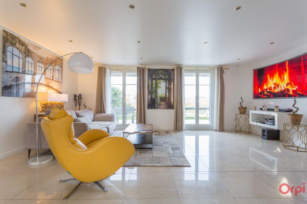 Maison à vendre 6 160m2 à Villecresnes vignette-2