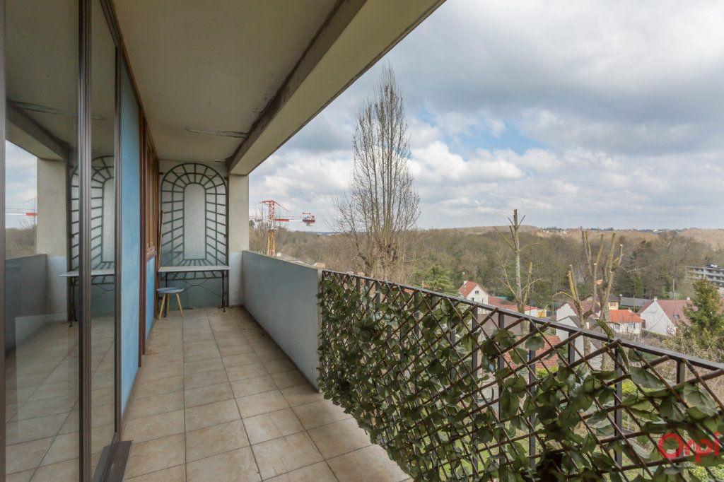 Appartement à vendre 4 70m2 à Combs-la-Ville vignette-1