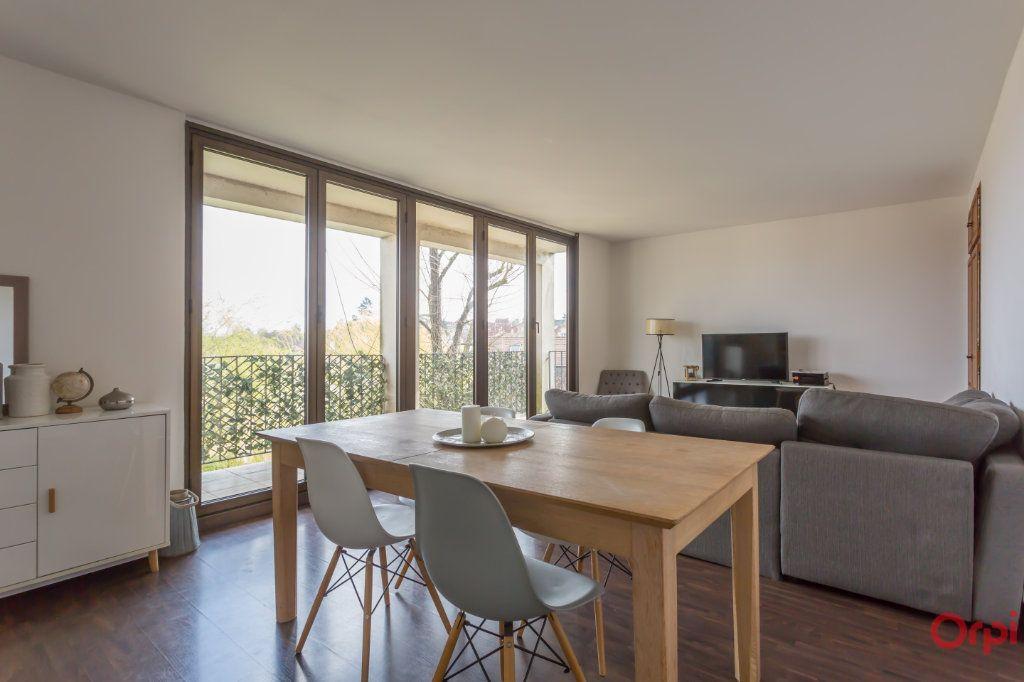 Appartement à vendre 4 70m2 à Combs-la-Ville vignette-3