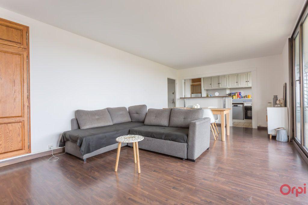 Appartement à vendre 4 70m2 à Combs-la-Ville vignette-4
