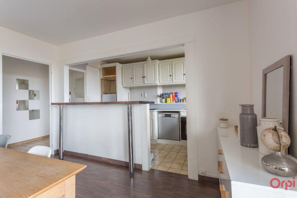 Appartement à vendre 4 70m2 à Combs-la-Ville vignette-5
