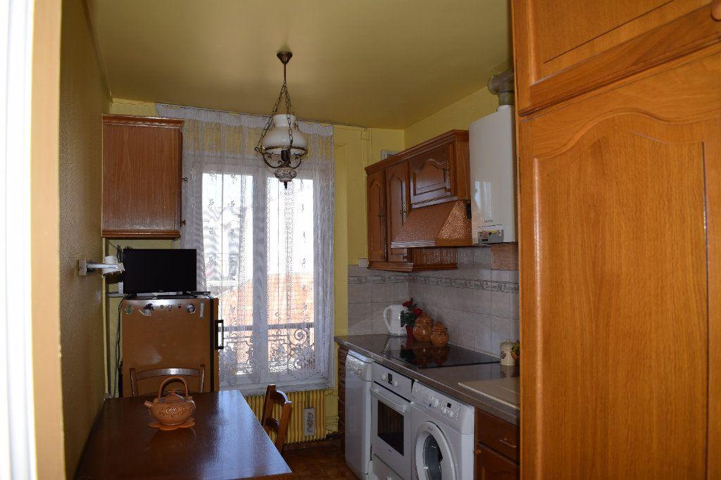 Appartement à vendre 4 76.9m2 à Brunoy vignette-4