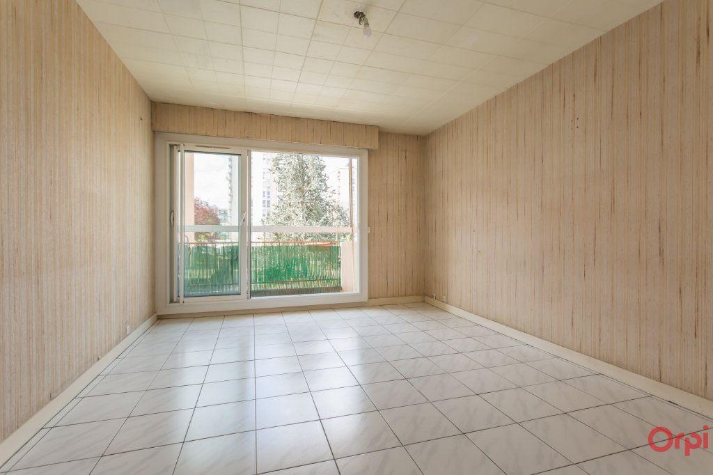 Appartement à vendre 3 62m2 à Épinay-sous-Sénart vignette-1