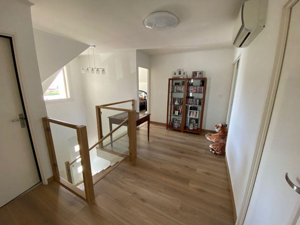 Maison à vendre 7 180m2 à Marolles-en-Brie vignette-7