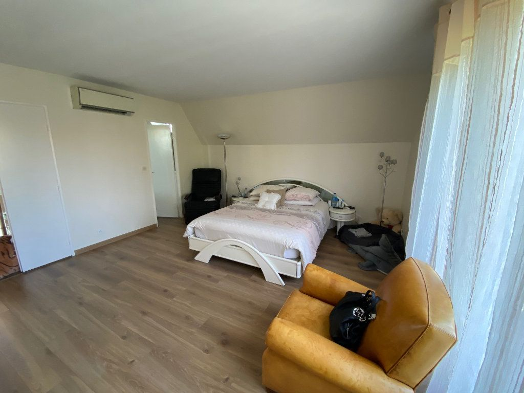 Maison à vendre 7 180m2 à Marolles-en-Brie vignette-12