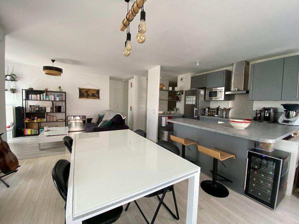 Appartement à vendre 4 74.8m2 à Massy vignette-3