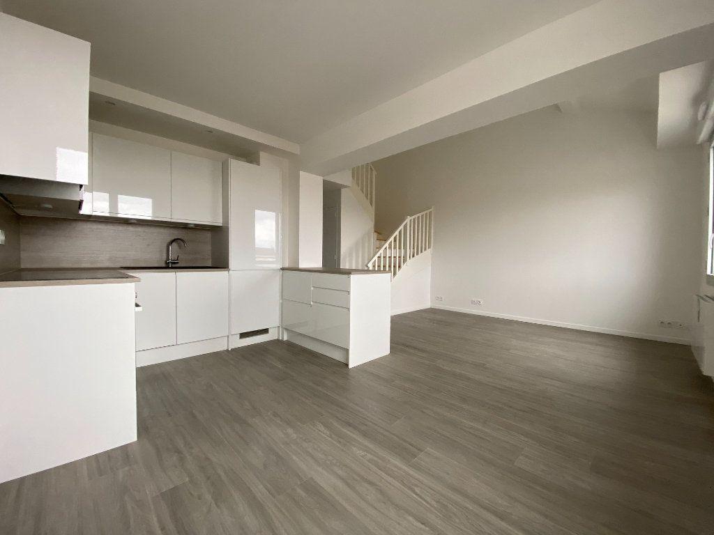 Appartement à vendre 4 60.6m2 à Massy vignette-2