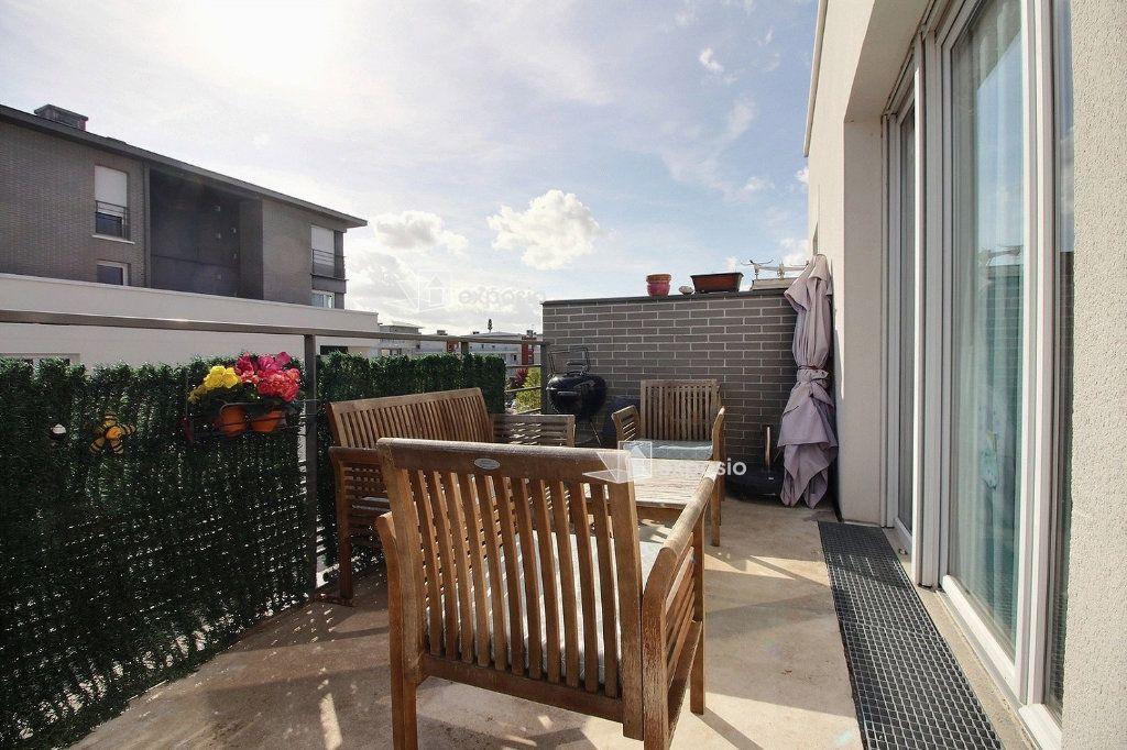 Appartement à vendre 4 77.59m2 à Corbeil-Essonnes vignette-2