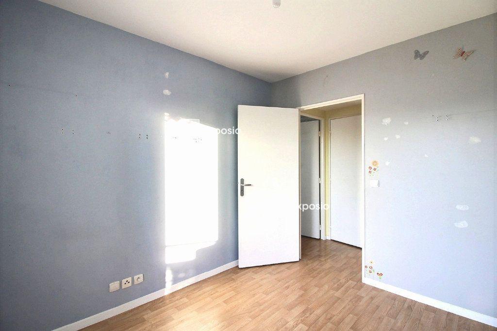 Appartement à vendre 4 77.59m2 à Corbeil-Essonnes vignette-9