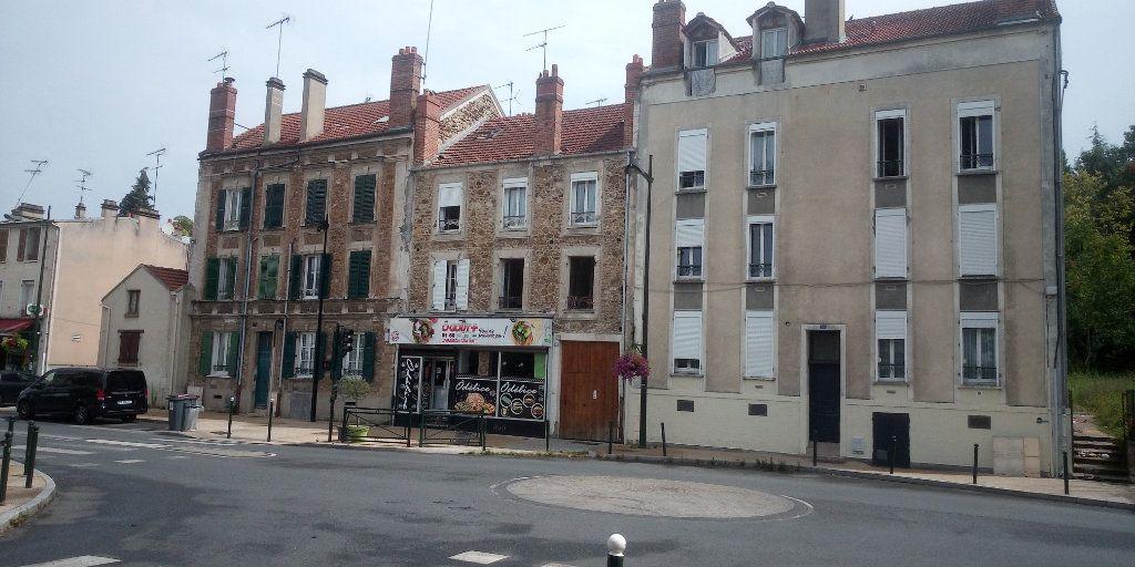 Appartement à vendre 3 53.43m2 à Corbeil-Essonnes vignette-1