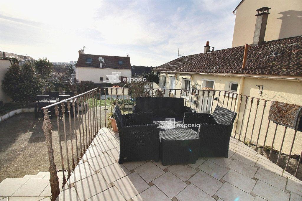 Maison à vendre 4 120m2 à Corbeil-Essonnes vignette-2
