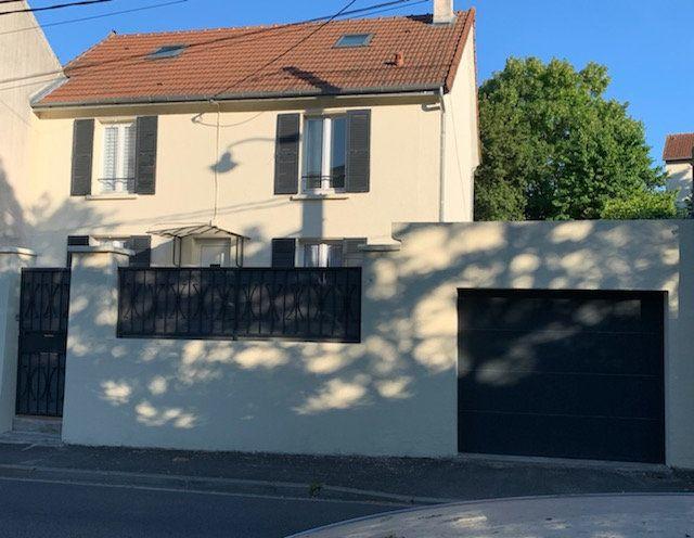 Maison à vendre 6 120m2 à Corbeil-Essonnes vignette-1
