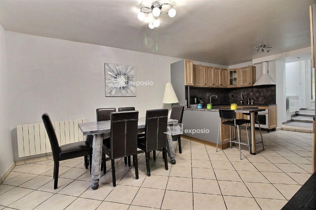 Maison à vendre 6 120m2 à Corbeil-Essonnes vignette-3