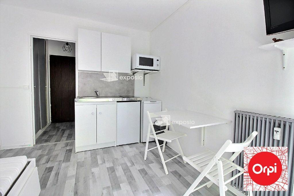 Appartement à louer 1 15m2 à Évry vignette-2