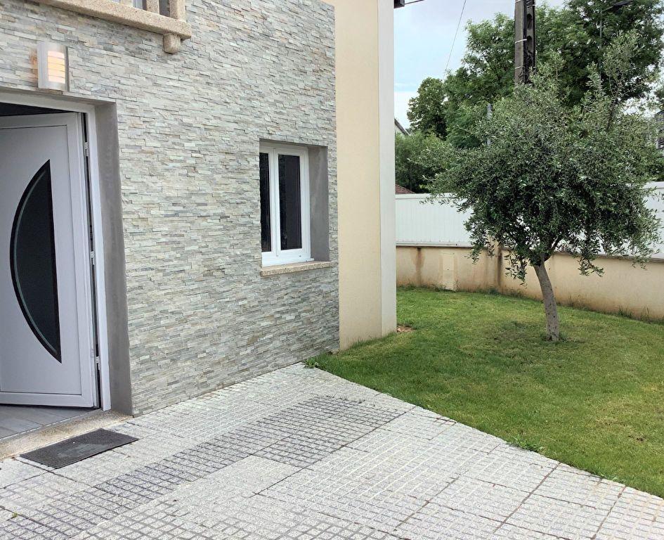 Maison à vendre 6 103m2 à Athis-Mons vignette-2