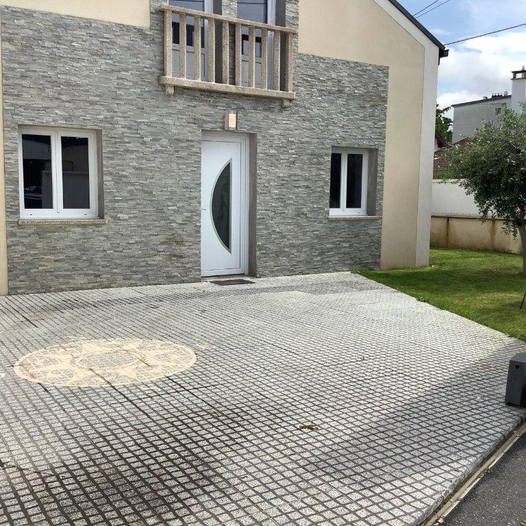 Maison à vendre 6 103m2 à Athis-Mons vignette-3
