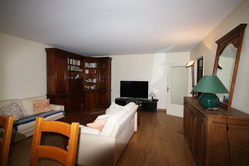 Appartement à vendre 6 138.53m2 à Paris 14 vignette-2