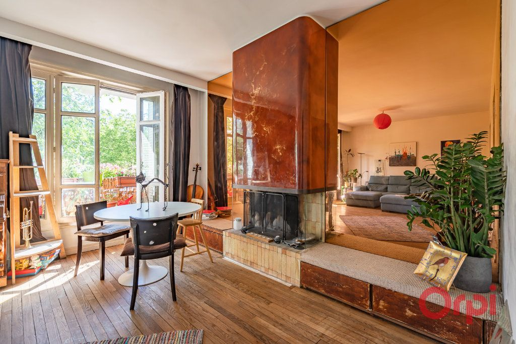 Appartement à vendre 4 82m2 à Paris 15 vignette-3