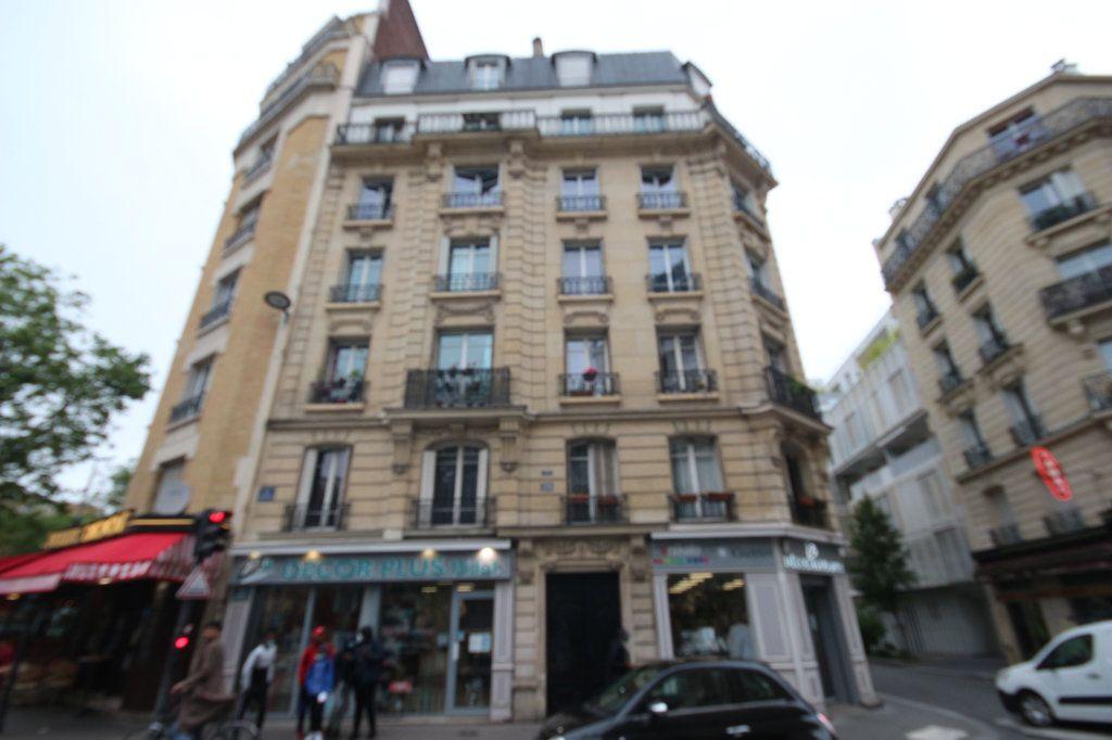 Appartement à louer 2 40m2 à Paris 14 vignette-1