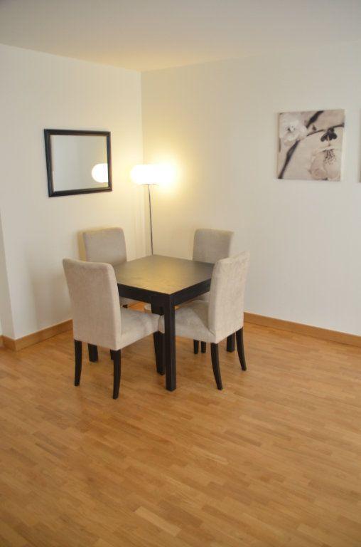 Appartement à louer 3 77.9m2 à Paris 14 vignette-6