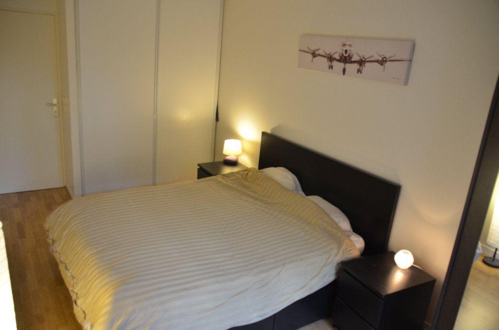 Appartement à louer 3 77.9m2 à Paris 14 vignette-8