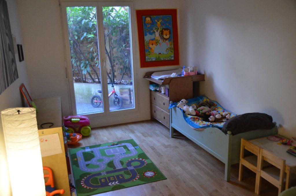 Appartement à louer 3 77.9m2 à Paris 14 vignette-9