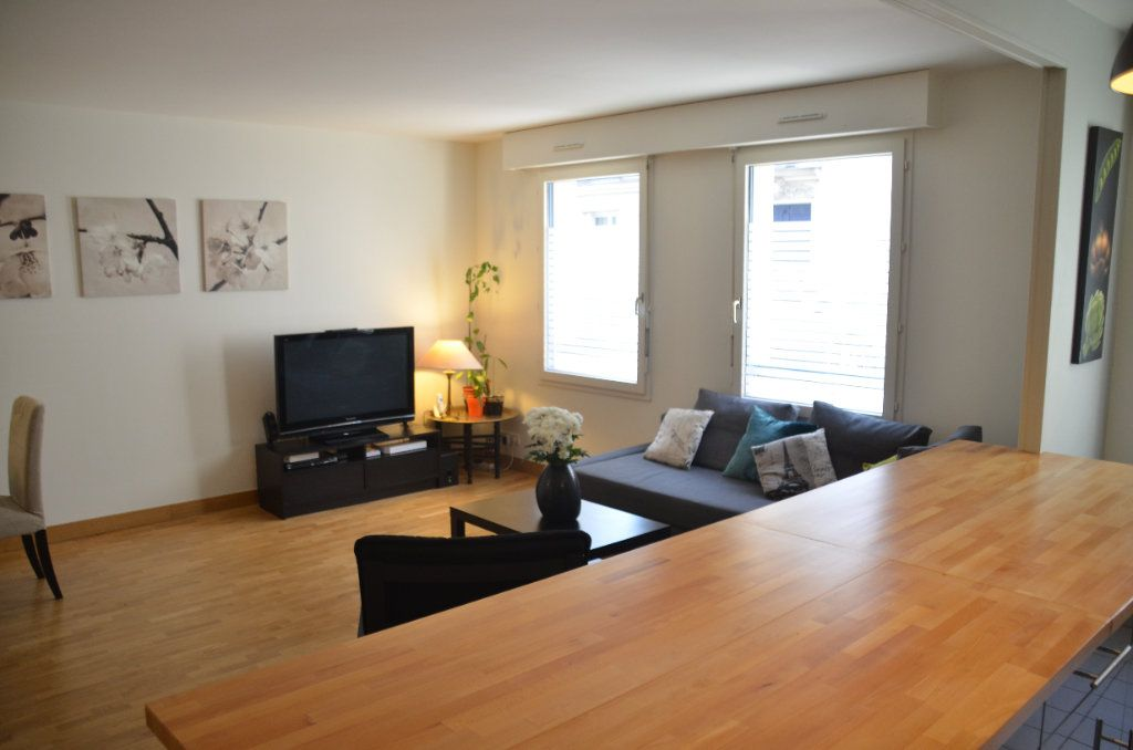 Appartement à louer 3 77.9m2 à Paris 14 vignette-10